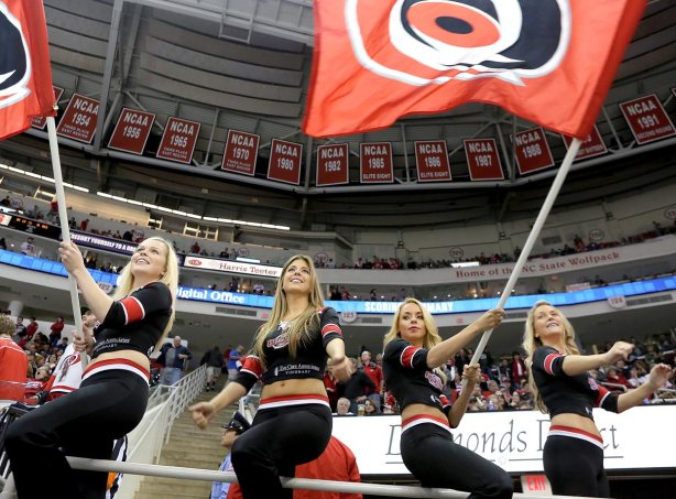 carolina-hurricanes-storm-squad-girls