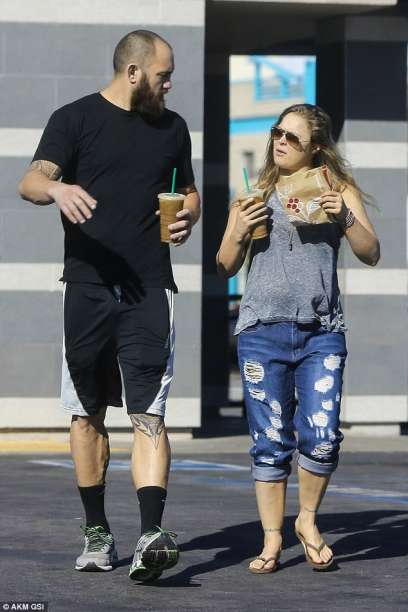 ronda-rousey-and-travis-browne