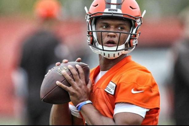 cleveland-browns-say-deshone-kizer-needs-to-improve-consistency
