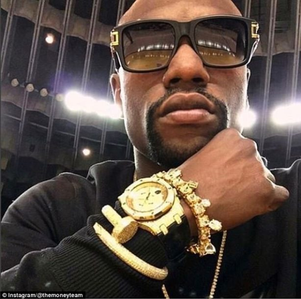 3f00021600000578-4386042-floyd_mayweather_has_taken_to_social_media_to_show_off_his_lates-a-34_1491476068472