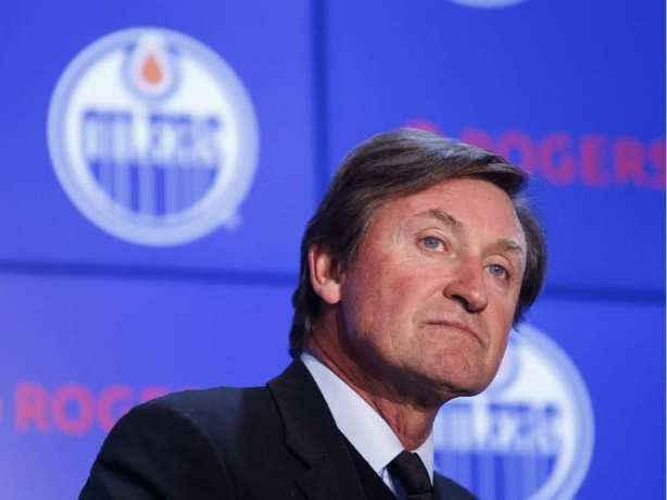 wayne-gretzky-answers-questions-after-announcing-his-return
